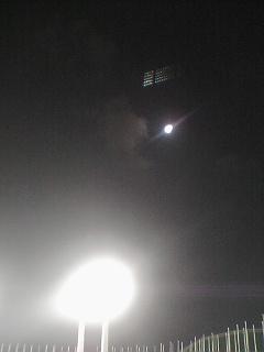 《ひとりごと》 今宵、月満ちたる。